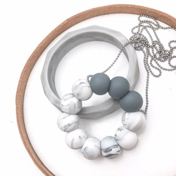 O-PENDANT Silicone Teething Necklace - Necklaces - ONE.CHEW.THREE Boutique teething, modern accessories