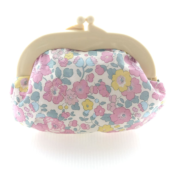 Madeline Betsy Lilac Pouch - Medium Ivory Clasp