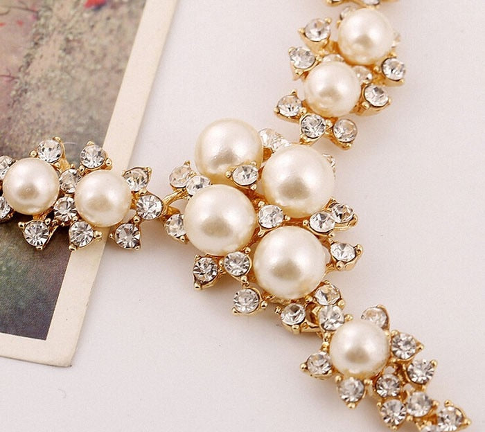 Simulated Pearl Crystal  Collar Bib Temperament Statement Necklace Women V-shaped Necklaces & Pendants Jewelry