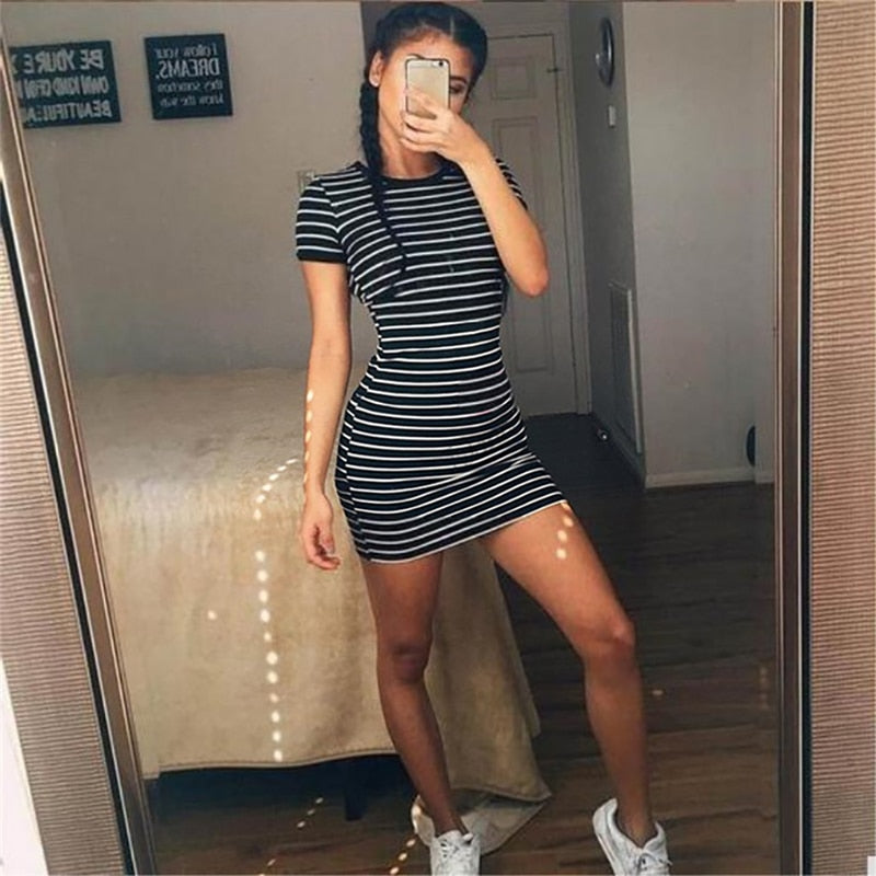 Summer Round Neck Short-sleeved Dress Black And White Striped Dresses Casual Elegant Sheath Slim Dress
