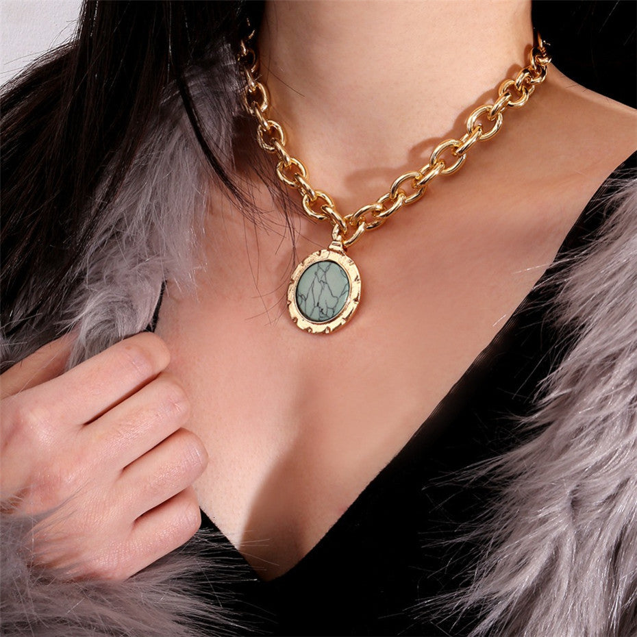 Vintage Green Stone Pendant Necklace Statement Gold Color Heavy Metal Long Chain Necklace for Women Jewelry Gifts