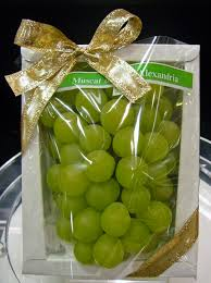 1 Kg Grapes Basket - Dr Bake Pakistan Send gifts to Lahore, Karachi, Islamabad, Pakistan