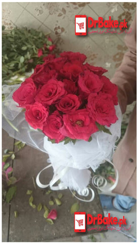 Dr Bake Flowers Red Roses Tied (one dozen)