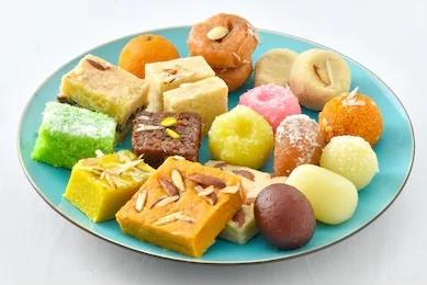 5kg Mix Mithai/ Sweets Basket - United King - Dr Bake Pakistan Send gifts to Lahore, Karachi, Islamabad, Pakistan