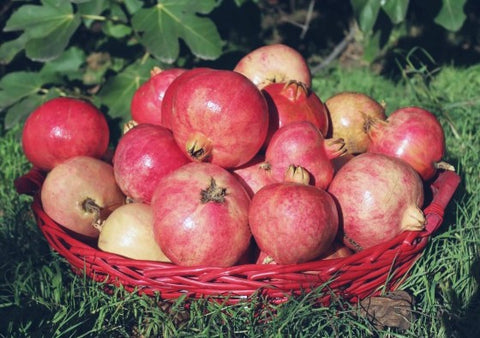 5 kg Pomegranate (Anaar) Basket - Dr Bake Pakistan Send gifts to Lahore, Karachi, Islamabad, Pakistan