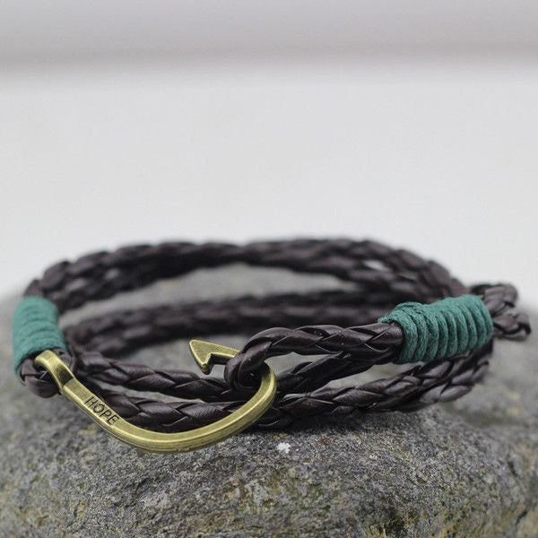 Contrast Hook Leather Wrap Bracelet In Black