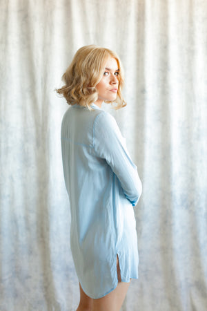 Bridesmaid boyfriend shirt in chambray blue, sleepwear and loungewear in toronto