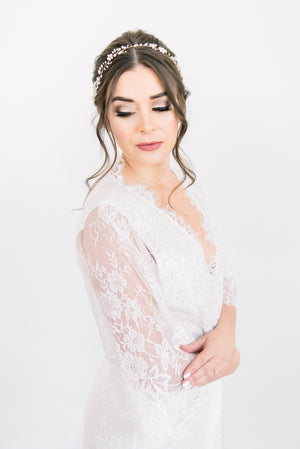 Luxurious and modern white lace bridal robe from By Catalfo for a bride-to-be