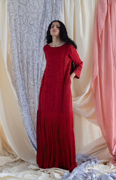 HOLLY RED PLEATED DRESS