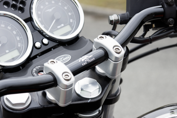 Triumph Speed Triple X-Bar Clamps - Bike 'N' Biker