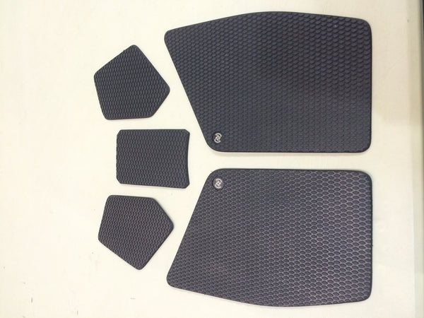 KTM RC 200/390 (2014 - Current) Motorcycle Tank Grip Pads - Bike 'N' Biker