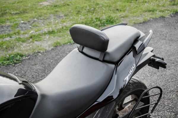 Rider Backrest – Dominar - Lluvia
