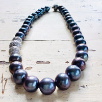 Exquisite Black Pearl Necklace
