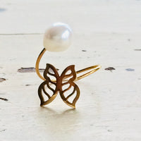 18K Gold Minimalist Butterfly Pearl Ring