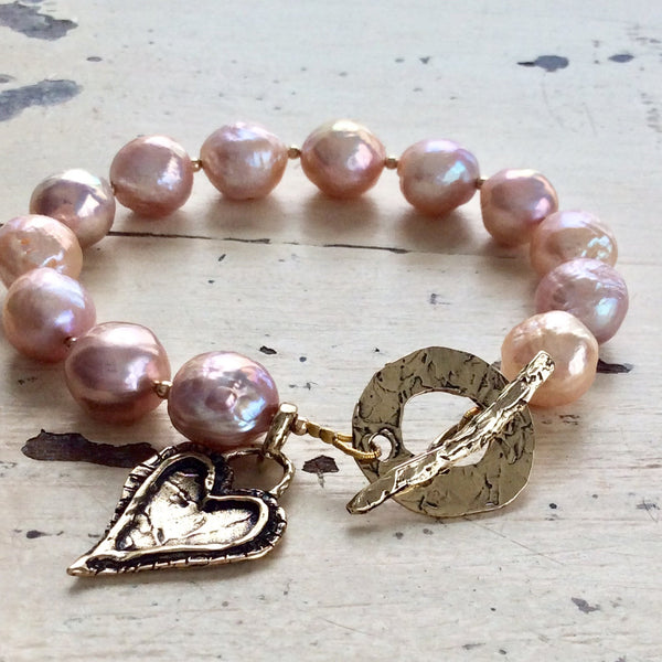 Edison Baroque Pearls Charm Bracelet, Large Pink Pearls