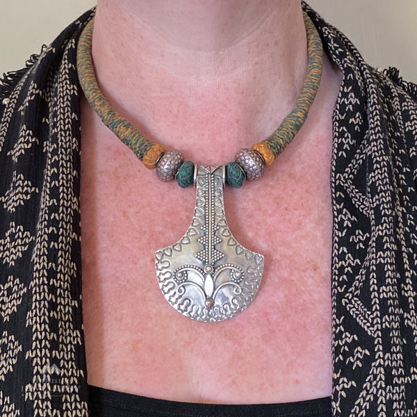 Silver pendant necklace from Jaipur