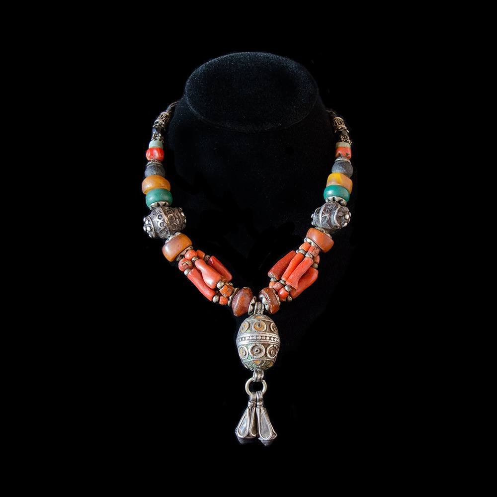 Berber necklace with silver tagmout