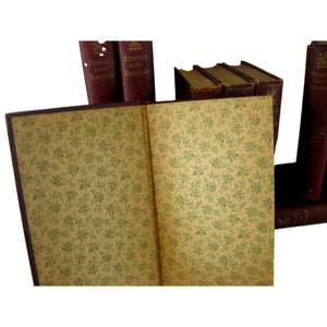An Antique Collection of Palm-Sized Works of William Shakespeare, S/11 - Decades of Vintage
