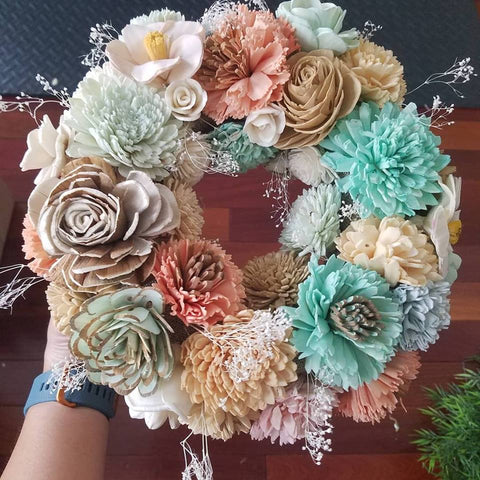 Sola wood flower pastel wreath