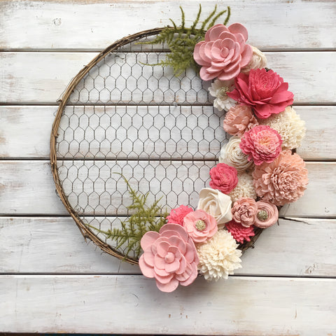 Chicken Wire Wreath in Pink
