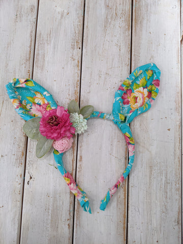 Bunny ear headband tutorial featuring sola wood flowers