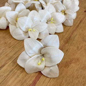 Trillium™ - set of 12 - 2.5 inches _sola_wood_flowers