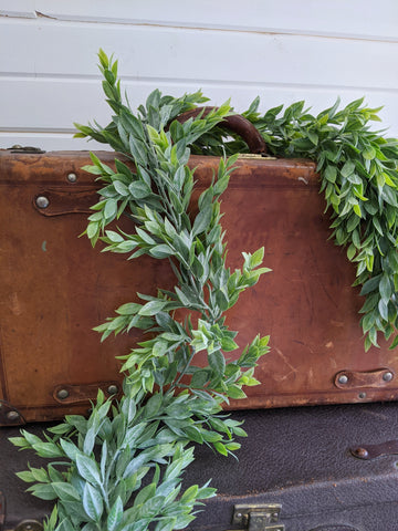 Large Ruscus Leaves- garland - 6 feet _sola_wood_flowers