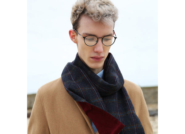 Hanna Hats Scarf Tweed/Corduroy - Navy Plaid Terracotta Overcheck - Wine Corduroy Lining - Male Model