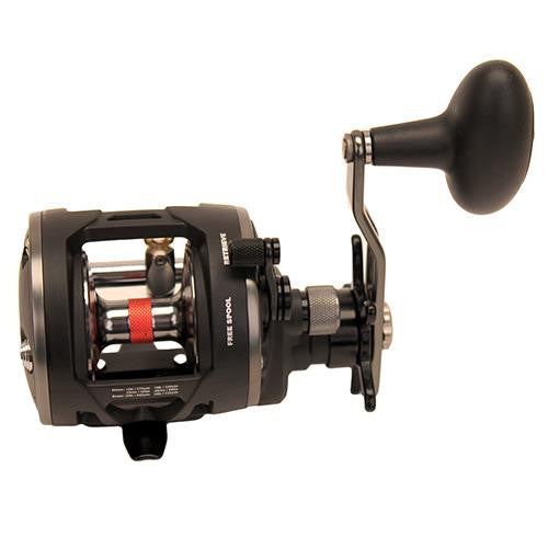 "Penn Warfare Level Wind Conventional Reel - 15 Reel Size. 5.1:1 Gear Ratio, 29"" Retrieve Rate, 15 lb Max Drag, RH, Boxed"