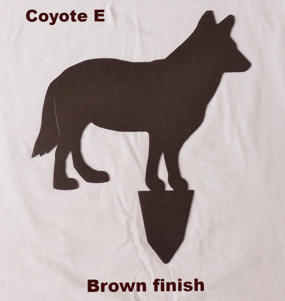 Coyote metal yard art Silhouette Wildlife Garden Decor horseflymetalart.com