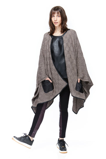 SC8111 Check Sweater Poncho w Leather Pocket