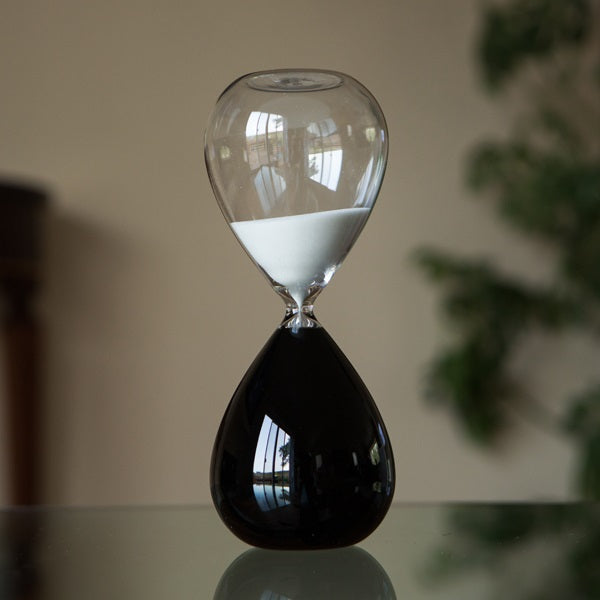60 Minute Black and White Hourglass