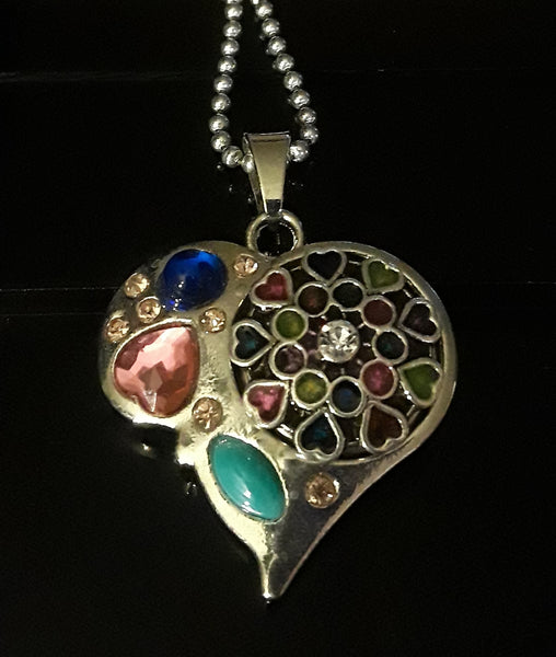 18mm noosa snap heart pendant w multiple colored rhinestones comes with 2 snaps light pink bubble and multicolored hearts