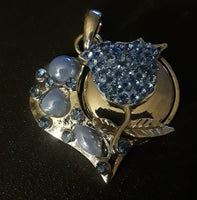 18 mm noosa snap heart pendant w blue rhinestones comes with 2 snaps a blue rhinestone rose and pink love snap