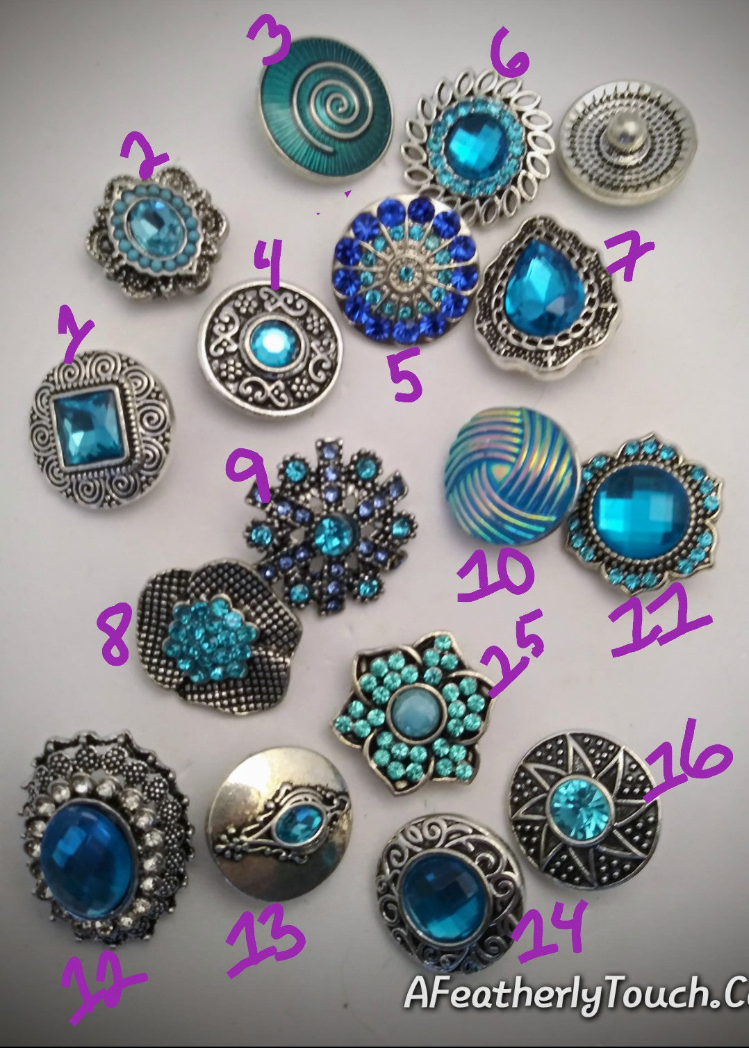 A variety of blue snaps 18mm noosa snaps