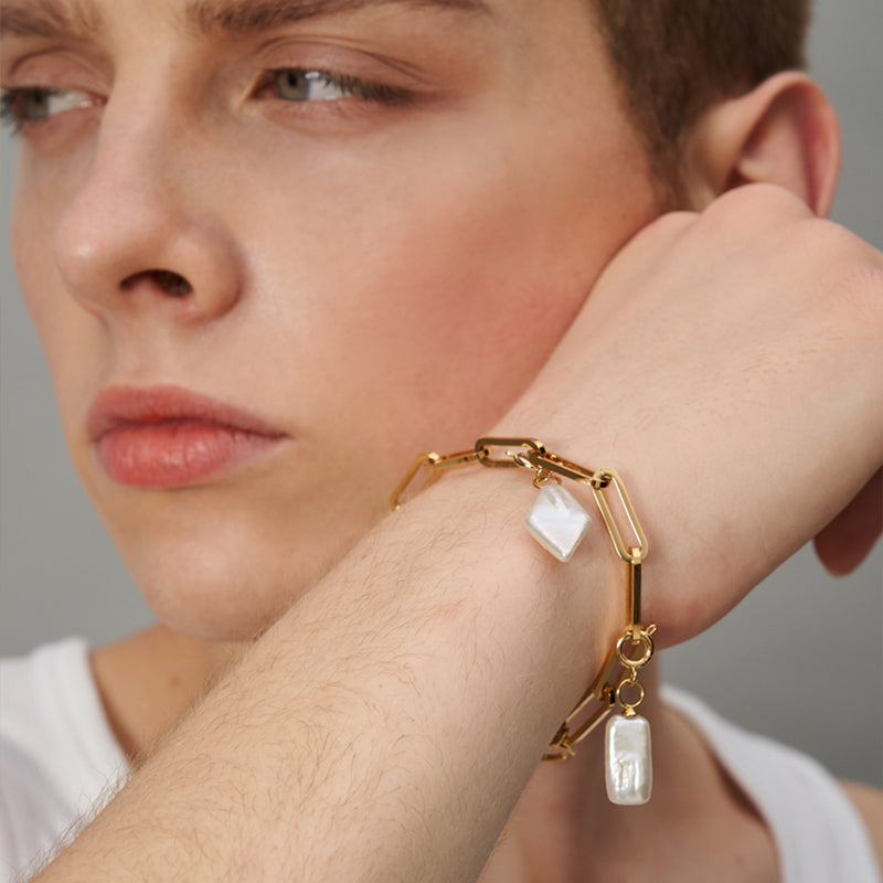 GOLD CHUNKY CHAIN BRACELET WITH BAROQUE PEARL CHARMS II