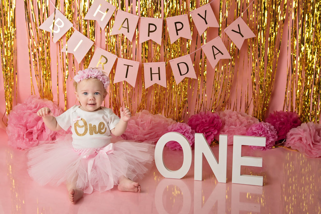 pink-gold-first-birthday-cake-smash-photo-shoot