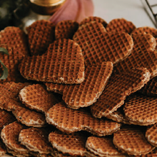 Load image into Gallery viewer, Stroopwafel Cookie Dessert Platter Display