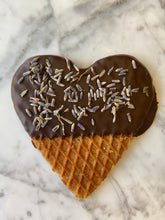 Load image into Gallery viewer, 100 Pack Stroopwafel Heart Wedding Favors