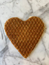 Load image into Gallery viewer, Stroopwafel Heart Wedding Favors