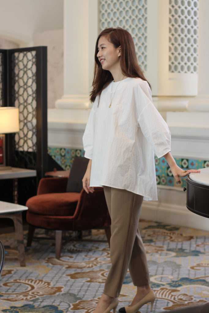 [PREORDER] Dropped Shoulder Blouse (White/ Camel)