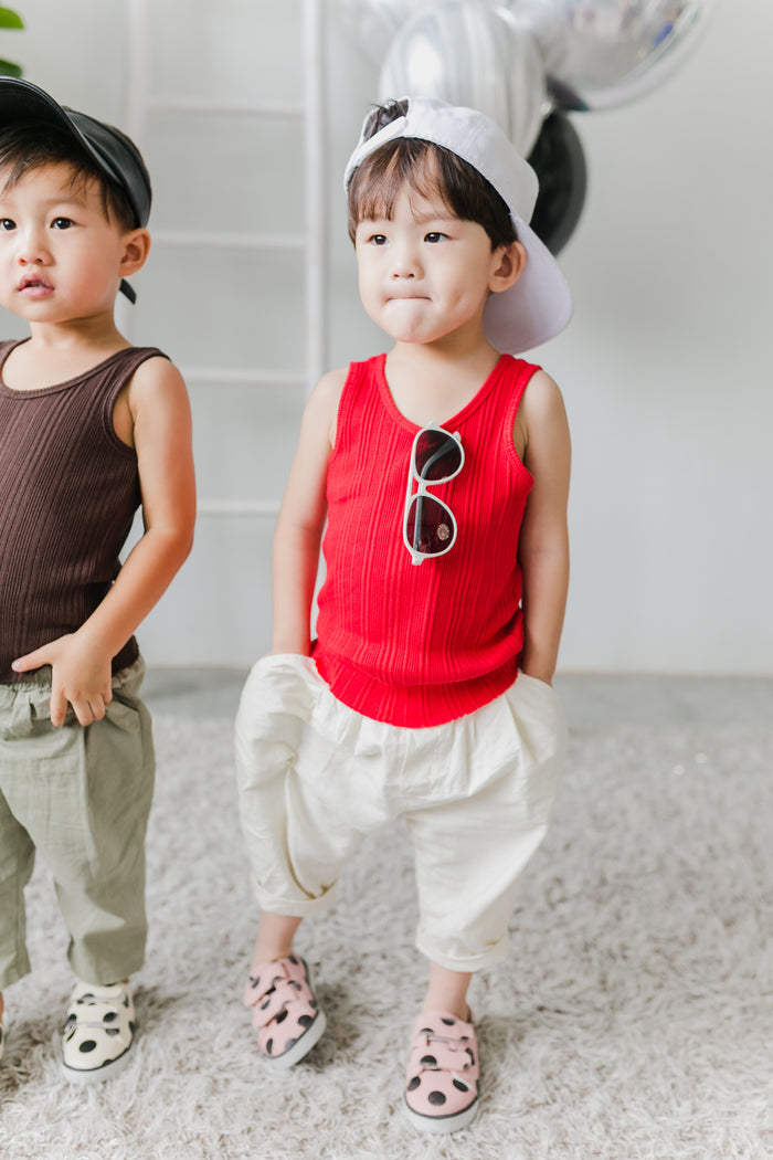 Ryo Look (Kai Sleeveless Top Red / Baggy Pants Ivory)
