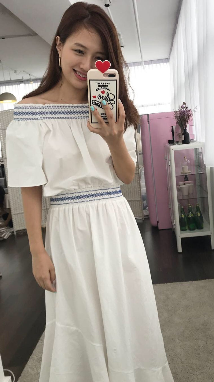 [PREORDER] Smocked off-shoulder Dress (Woman Free Size)