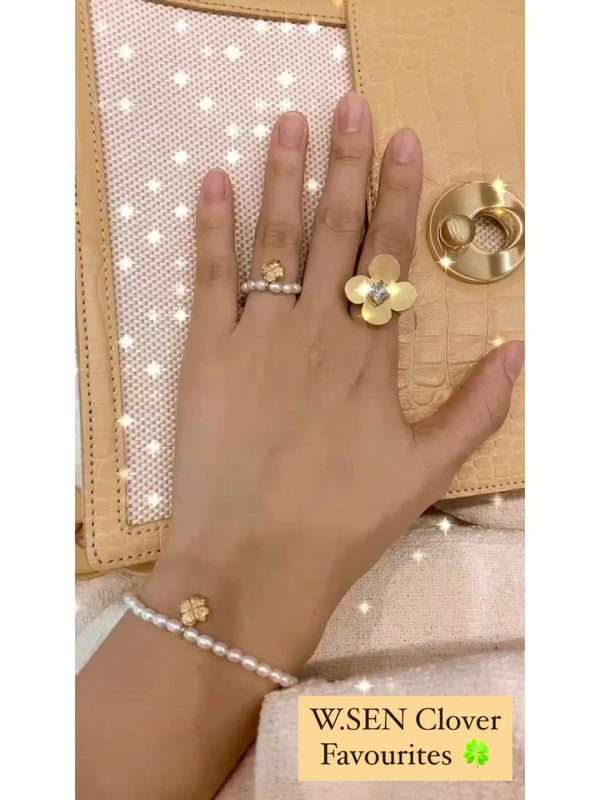 W.SEN Pearl Band Ring/Bracelet with Clover Charm