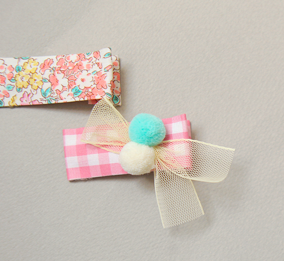 Pom Pom Checkered Hair Clip