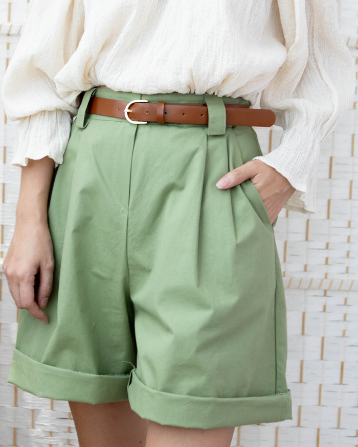 [PREORDER] Pleated Boxy Shorts with Leather Belt (Green/Cream)
