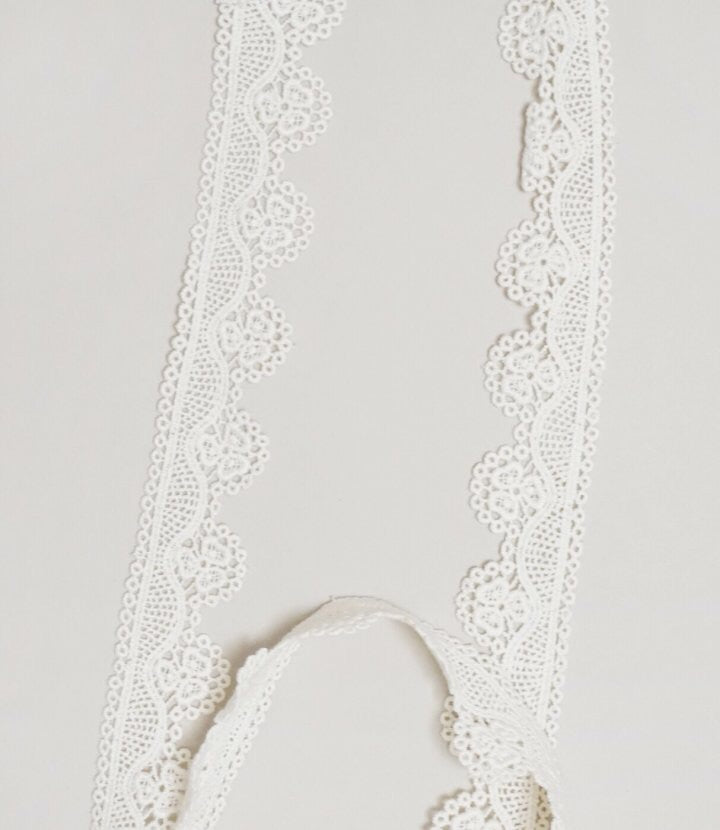 Pearl Lace Necklace (pair with hello autumn dress)