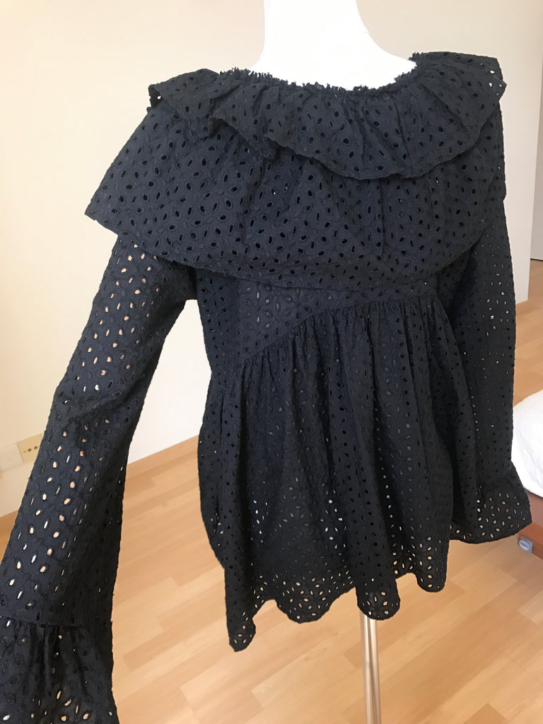 Punching Blouse Black