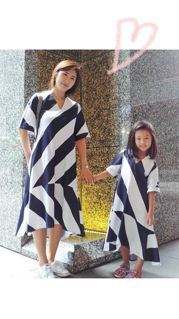 Monochrome Dress Diagonal Dark Navy