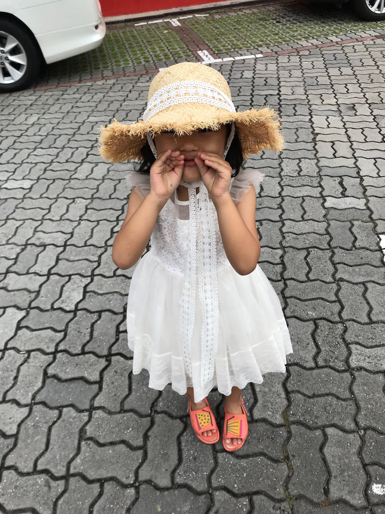 [PREORDER] Lace trimmed Hat Luxe (Mum/Kid)